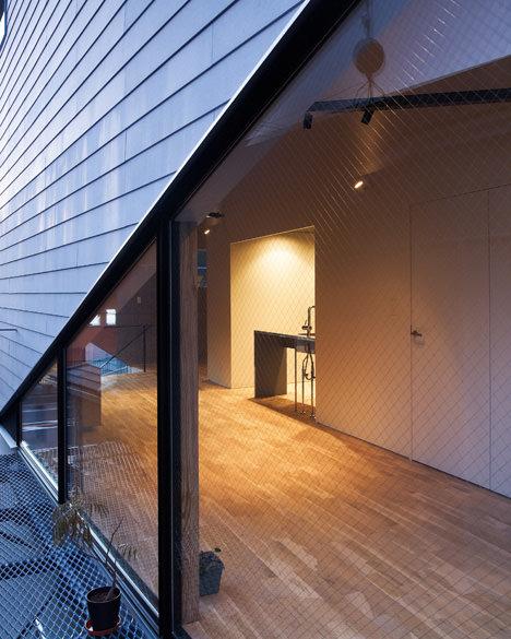 13_balcony-night-view(Ookura-Hideki)
