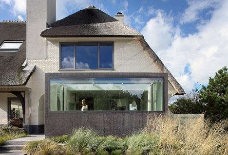サムネイル:Maxwanによるオランダ・ノードヴァイクの住宅の増改築「House N」