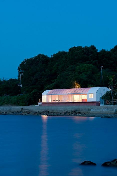 サムネイル:二俣公一 / ケース・リアルによる香川県・豊島の「海のレストラン」