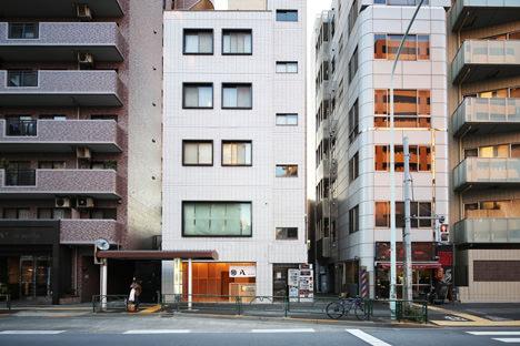 サムネイル:ツバメアーキテクツによる東京都目黒区中目黒の店舗「旬八青果店2号店」