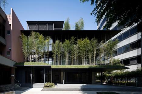サムネイル:河原泰建築研究室による東京・墨田区の寺院「回向院念仏堂」