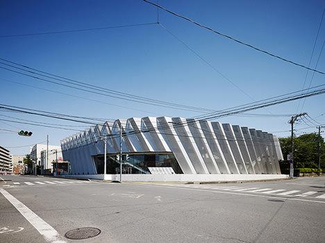 サムネイル:小川博央建築都市設計事務所による埼玉県入間市の結婚式場「Pleats. I」
