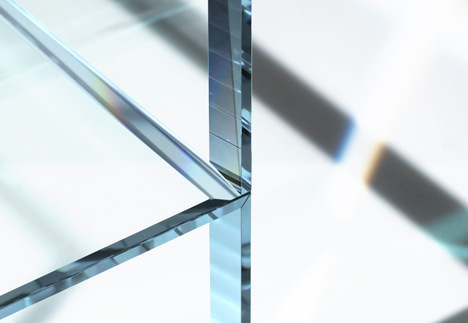 005_PRISM_glass_chair