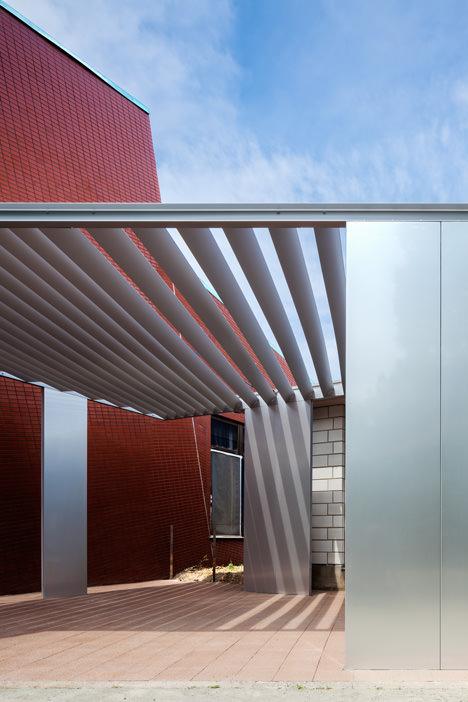 サムネイル:青木公隆/ARCO architectsと金田 泰裕/構造家による茨城県守谷市の「みずき野デッキ-みずき野集会場増築計画-」