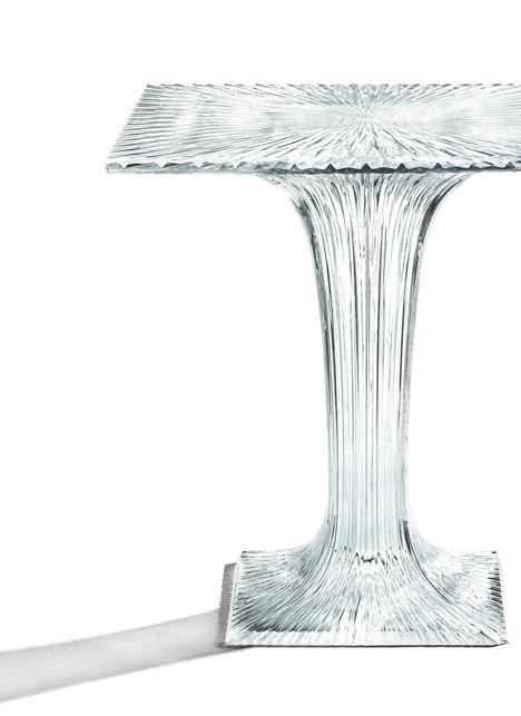 サムネイル:吉岡徳仁がKartellのためにデザインしたテーブル「TWINKLE」