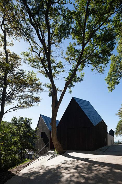 サムネイル:キューボデザイン建築計画設計事務所による神奈川県大磯町の住宅「cnest」
