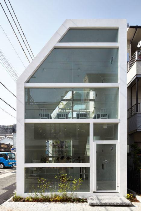 サムネイル:永山祐子 / 永山祐子建築設計による神戸・岡本のショップ兼カフェ「BLANC」