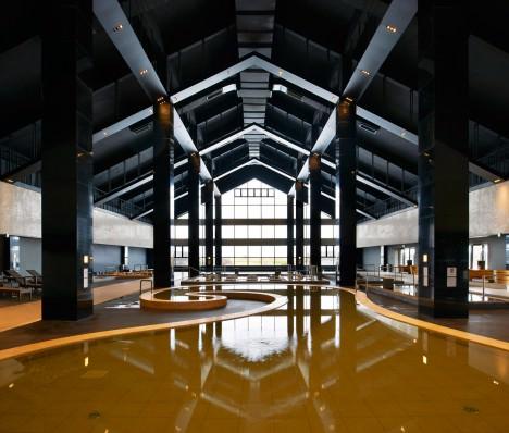サムネイル:中村誠宏+A-ASTERISKによる中国黒竜江省の温泉施設「チチハル鶴之湯温泉」