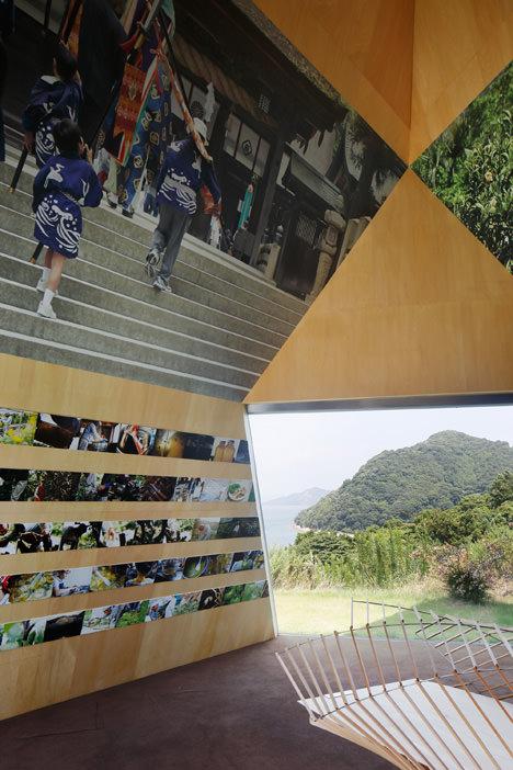 サムネイル:今治市伊東豊雄建築ミュージアムでの展覧会「日本一美しい島・大三島をつくろうプロジェクト2014」の会場写真