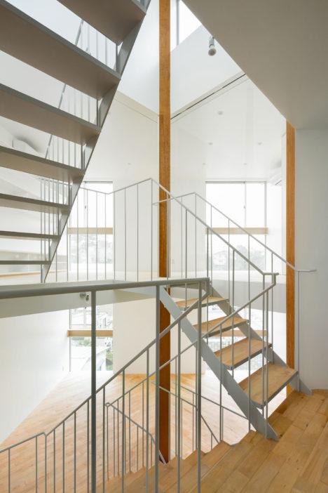 サムネイル:神田篤宏+佐野もも / comma design officeによる東京・品川の住宅「上大崎のいえ」