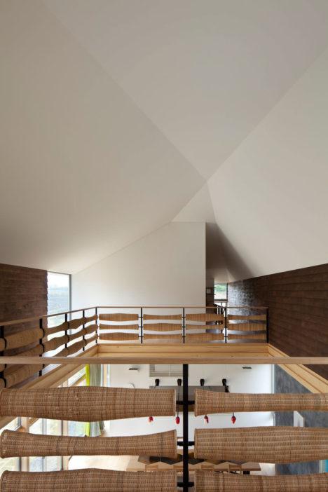 サムネイル:エイスタディ+utac建築設計事務所による三重・津の住宅「srm」
