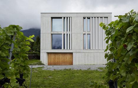サムネイル:フェリス・アーキテクツによるスイス・グリソンの住宅「Villa M M」