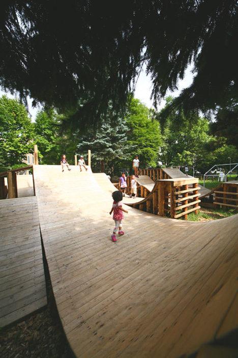 サムネイル:YCAM InterLab+五十嵐淳による北海道札幌の「コロガル公園inネイチャー」