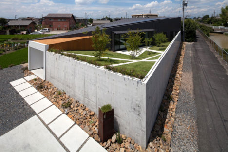サムネイル:伴尚憲 / bandesignによる愛知県小牧市の住宅「Secret Garden」