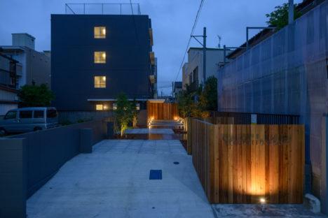 サムネイル:笠掛伸建築設計事務所による千葉県船橋市の既存建物を改修した「下総中山シェアハウス」