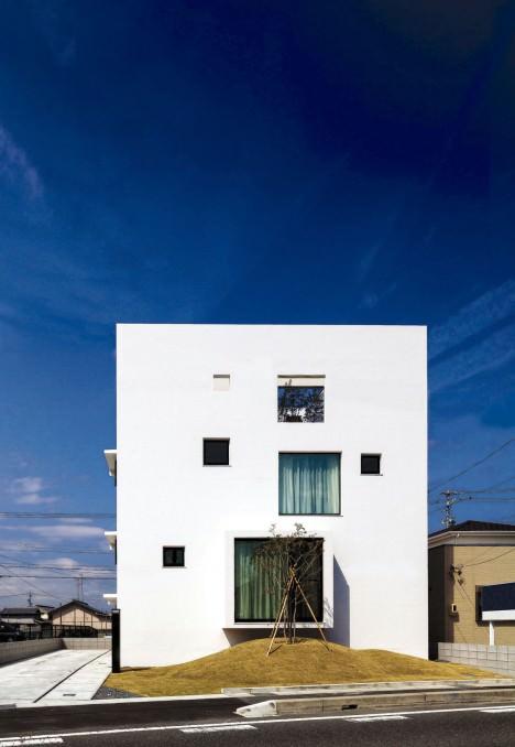 サムネイル:伴尚憲 / bandesignによる愛知県弥富市の住宅「Turn,Turn,Turn,」
