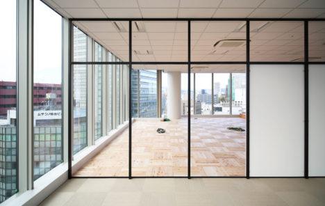 サムネイル:ツバメアーキテクツによる、仙台のオフィス「一日で組み立てる仙台のオフィス」