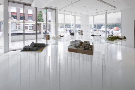 サムネイル:萬代基介建築設計事務所による、「新しい建築の楽しさ2014」展の会場構成