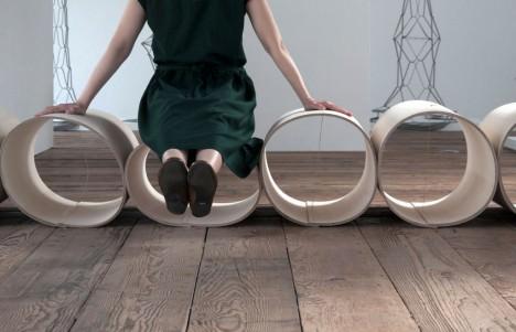 サムネイル:中村竜治建築設計事務所による「柱のあいだのベンチ」