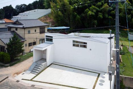 サムネイル:諸江一紀建築設計事務所による愛知県蒲郡市の「蒲郡の住宅」