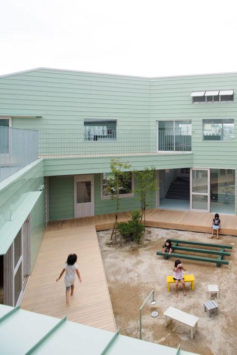 サムネイル:リズムデザイン+ケース・リアルによる熊本の「はけみや保育園」