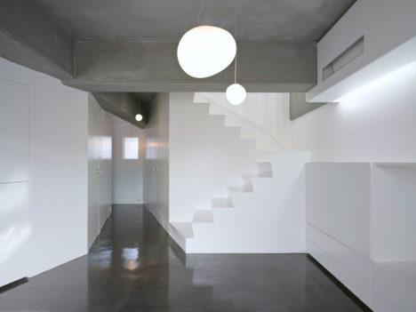 サムネイル:UME architects / 梅原悟による、京都の「嵐山の住居兼アトリエ」