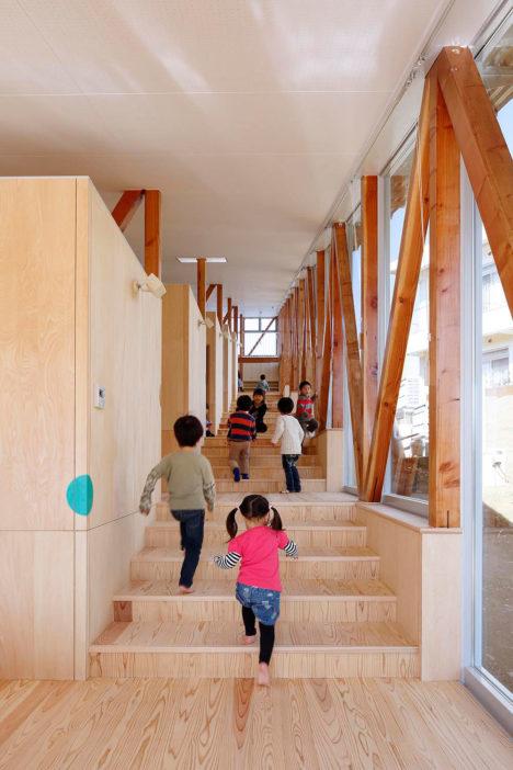 サムネイル:山﨑健太郎デザインワークショップによる、千葉県佐倉市の「はくすい保育園」