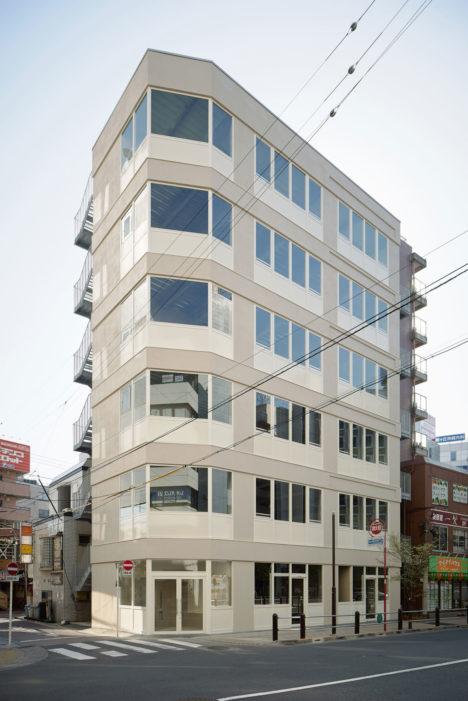 サムネイル:日吉坂事務所による、東京の「Building S」