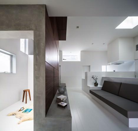 サムネイル:フォルム・木村浩一建築研究所による、滋賀県大津市の「親密な家」