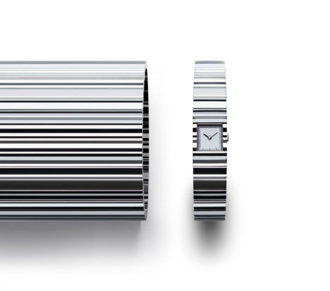 サムネイル:吉岡徳仁が、ISSEY MIYAKEプロデュースのウオッチ・プロジェクトのためにデザインした腕時計「V」