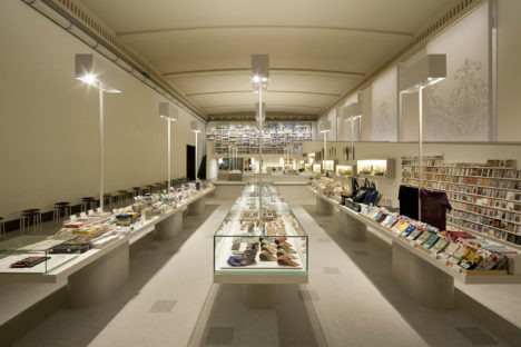 サムネイル:香取建築デザイン事務所が設計監修した「東京国立博物館本館ミュージアムショップ」