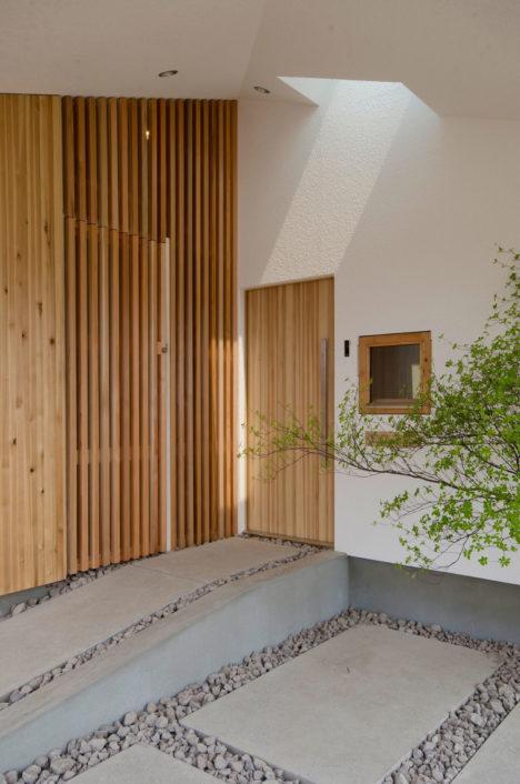 サムネイル:富樫雅行建築設計事務所による、北海道の住宅「WABI-YA」