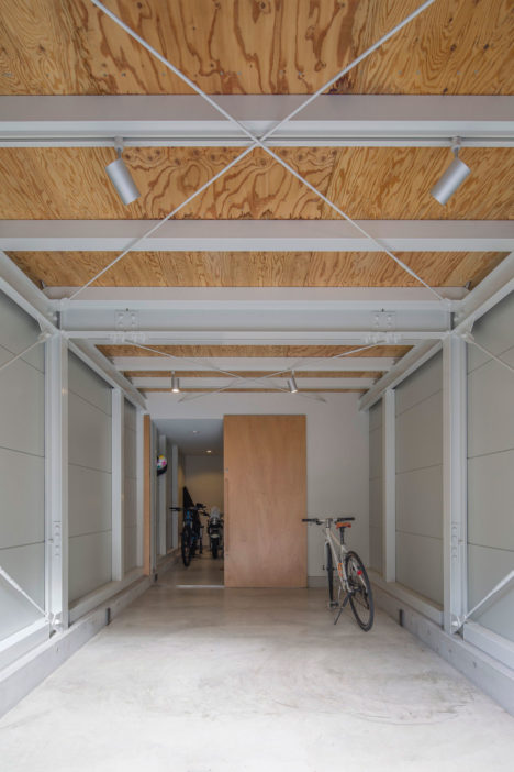 kkako003-Lv2-garage01