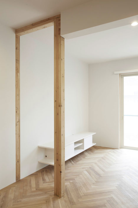 サムネイル:麻生征太郎+松葉邦彦による、東京都世田谷区の二世帯住宅の改修「斎藤邸」