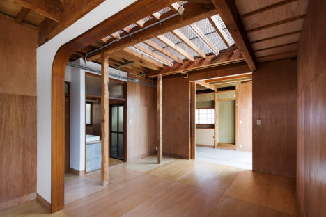 サムネイル:長坂常 / スキーマ建築計画+明治大学構法計画研究室が改修を手掛けた、東京都調布市の「つつじヶ丘の家」