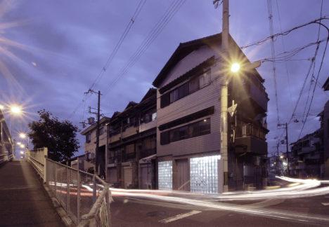 サムネイル:村田純 / JAMによる、大阪の、既存建物のリノベーション「Diamant / Glass Art Gallery & Residence」