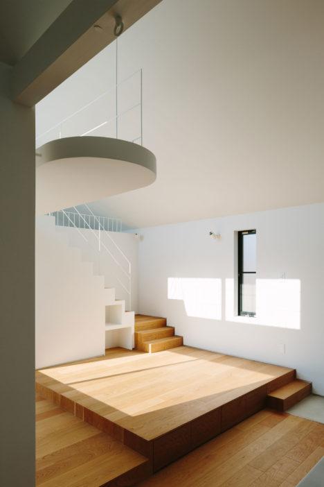 サムネイル:高野洋平+森田祥子 / MARU。architectureによる、神奈川県横浜市の「壇の家」