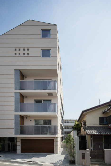 サムネイル:高野洋平+森田祥子 / MARU。architectureによる、東京都世田谷区の「坂道の集合住宅」