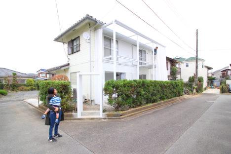 サムネイル:能作淳平 / ノウサクジュンペイアーキテクツによる、ニュータウンに建つ公団住宅の改築「あきるのシルバーハウス」