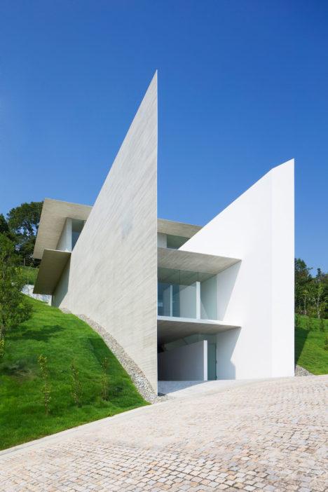 サムネイル:窪田勝文 / 窪田建築アトリエによる、兵庫の住宅「YA-HOUSE」