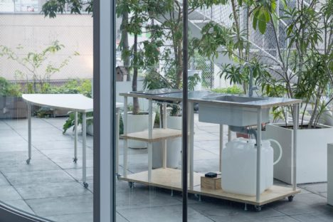 サムネイル:ツバメアーキテクツがデザインした家具『居場所をつくる「まる」と「しかく」』