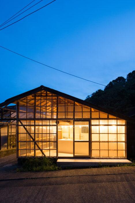 サムネイル:福井信行 / ルーヴィスの設計・施工による、神奈川県三浦市宮川町の「みやがわベーグル」