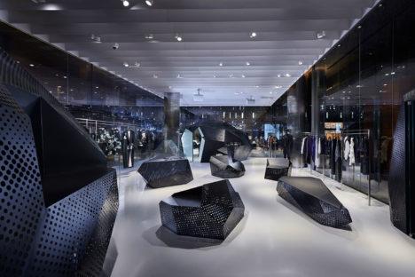 サムネイル:+ft+/髙濱史子建築設計事務所による、シンガポールの店舗「CHRISTIAN DADA シンガポール旗艦店」
