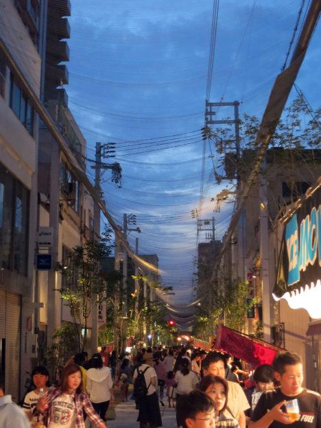 サムネイル:前田圭介 / UIDが、5年の歳月を費やして完成した、広島県福山市のアーケードを改修するプロジェクト「とおり町Street Garden」。完成式典が開催 [2016/7/1]