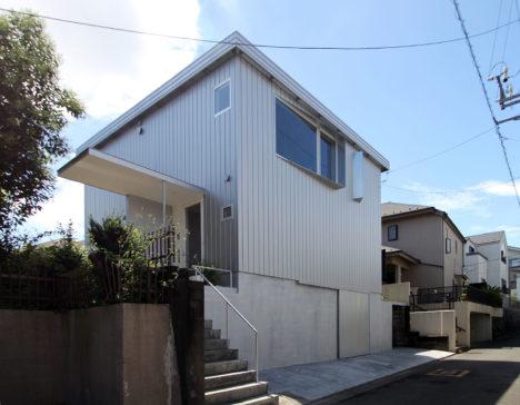 サムネイル:浦木建築設計事務所による、神奈川県川崎市の、築36年中古住宅のリノベーション「生田の家」
