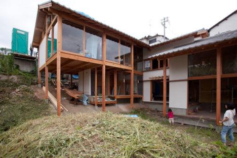 サムネイル:とのま一級建築士事務所による、大阪府富田林市の工房付き住宅「富田林の住宅」のオープンハウスが開催 [2016/7/24]