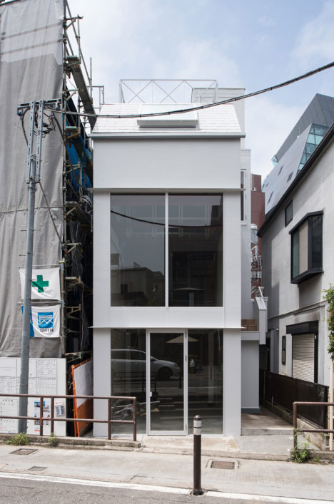 サムネイル:麻生征太郎+園田慎二による、東京都渋谷区の、住宅兼店舗の建物を、事務所兼店舗のテナントビルへ整える改修計画「CATプロジェクト」