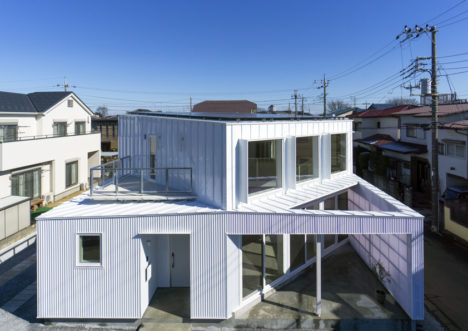 サムネイル:川島範久+佐藤桂火 / ARTENVARCHによる、埼玉県所沢の住宅「Diagonal Boxes」