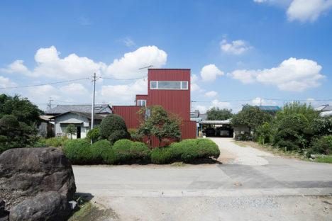 サムネイル:小泉一斉+千葉万由子 / Smart Runningによる、埼玉県深谷市の住宅「グロット」