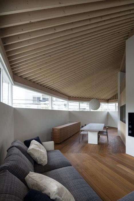 サムネイル:山崎壮一建築設計事務所による、兵庫の住宅「芦屋の家」